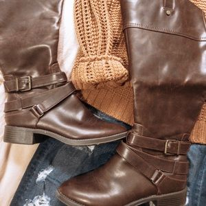 Dark brown fake leather riding boots